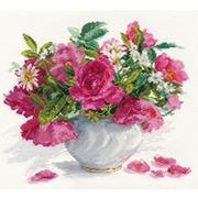 """Набор для вышивания крестом Алиса """"Цветущий сад: Розы и ромашки"""""""