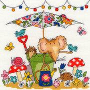 """Набор для вышивания крестом Bothy Threads """"Garden Mouse"""" (Мышка в саду)"""