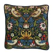 """Набор для вышивания крестом Bothy Threads подушка """"Strawberry Thief"""" William Morris (Клубника)"""