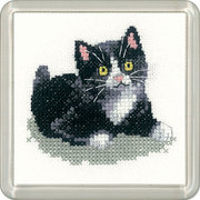 """Набор для вышивания крестом Heritage """"Чёрно-белый котёнок"""""""