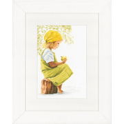 """Набор для вышивания крестом LANARTE """"Девочка с яблоком"""""""