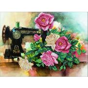 """Набор для вышивания бисером Паутинка """"Розы для рукодельницы"""""""